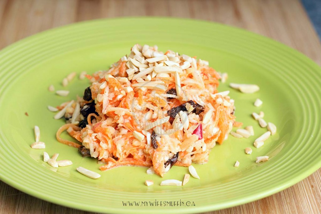 Sweet coleslaw with apples, carrots, Greek yogurt, and honey via @MyWifesMuffin