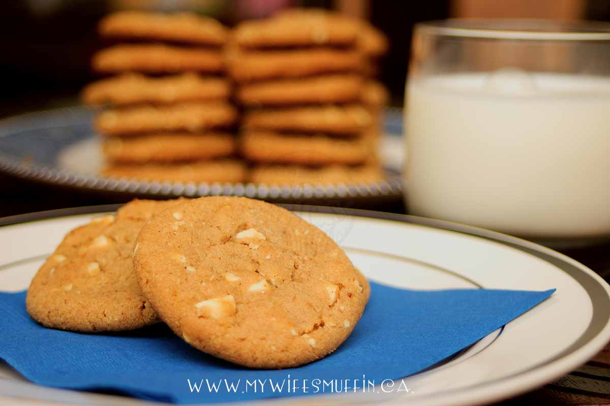 Pumpkin Spice Cashew Cookies with Milk